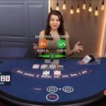 Live Ultimate Texas Hold'em Poker