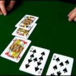 Crazy Pineapple: Variation on Texas Holdem : Learn About Discarding Hands in Crazy Pineapple Poker