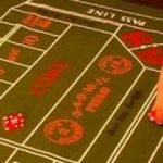 How to Play Craps : How to Play Don't Pass Bar in Craps