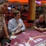 Louis Theroux plays Blackjack -Gambling in Las Vegas – BBC