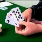 Crazy Pineapple: Variation on Texas Holdem : How to Deal Pre-Flop in Crazy Pineapple Poker