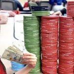 BOMBSHELLS & BOMBPOTS // Texas Holdem Poker Vlog 46