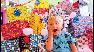 BIRTHDAY PRESENT SURPRISE ROULETTE ! REAL GIFTS VS FAKE! – Ollie's 4th Birthday Special